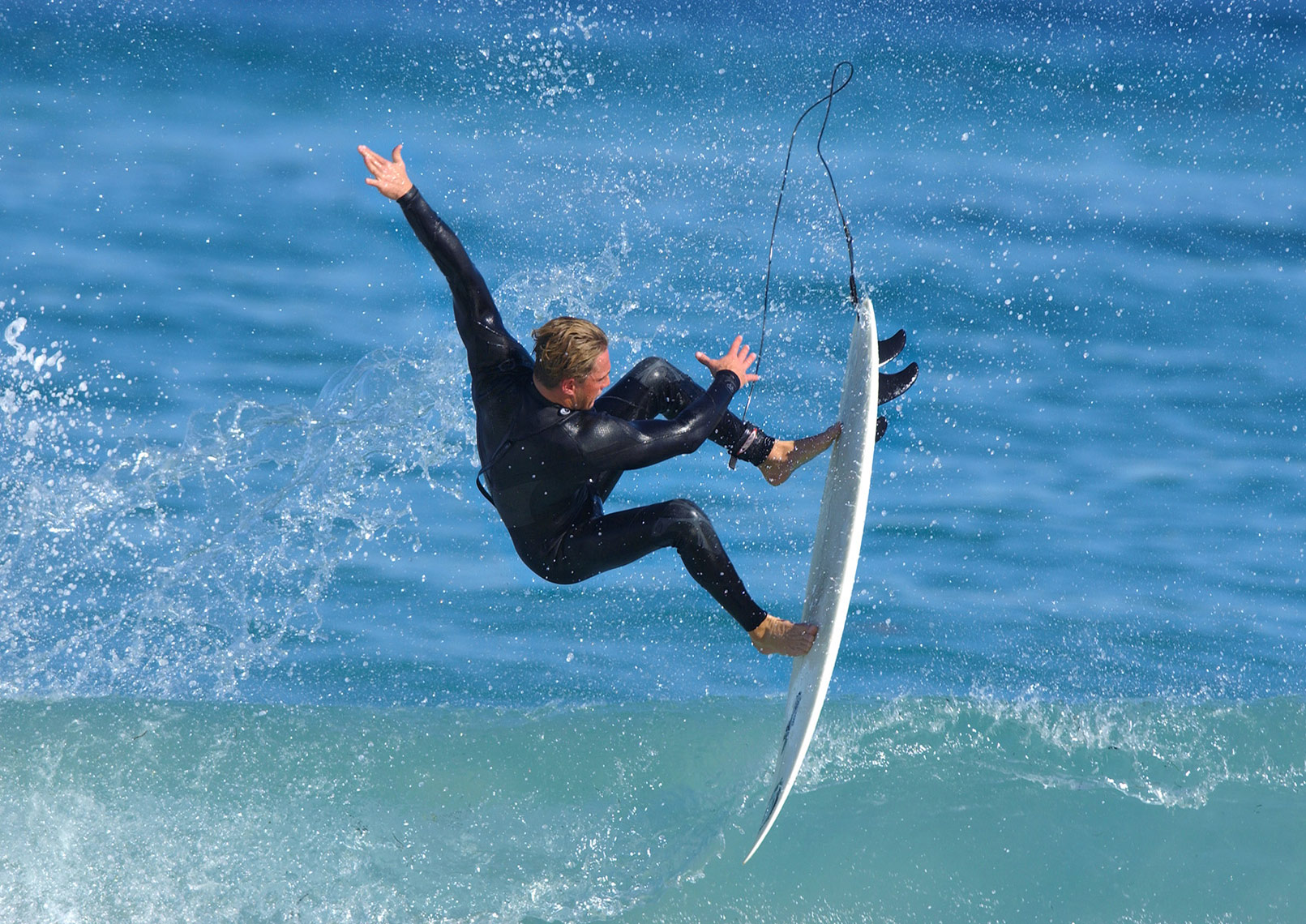 Scott_Pritchett_surfing